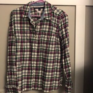 Long sleeve plaid Tommy Hilfiger flannel shirt.